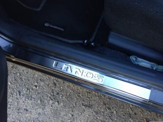 Накладки на пороги Daewoo Lanos на метал выдавленные