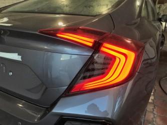 Диодные задние фонари Honda Civic 10 седан 2016- красно-дымчатые