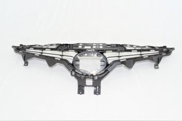 Решетка радиатора Toyota Camry SE 70 2017-