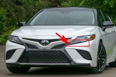 Накладка бампера под фару левая Toyota Camry SE / XSE 70 2018+