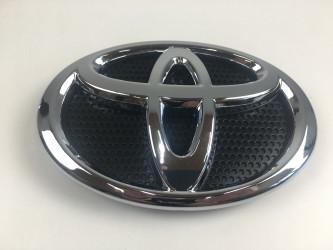 Эмблема Toyota Land Cruiser 200 2015-