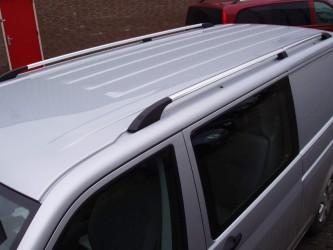 Рейлинги на крышу с металлическими креплениемя Volkswagen T-5 Transporter/ Caravelle/ Multivan 2004-  ДЛИННАЯ БАЗА цвет под хром (полированный алюминий)