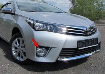 Хром кант на передние противотуманные фары  Toyota Corolla 2013- кольца (пластик)